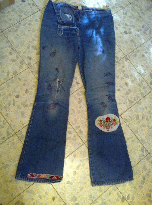 הג'ינס האמיתי הראשון שלי. נלבש והושחת בין כיתה ז' לכיתה י'